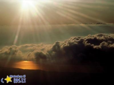 Virš debesų