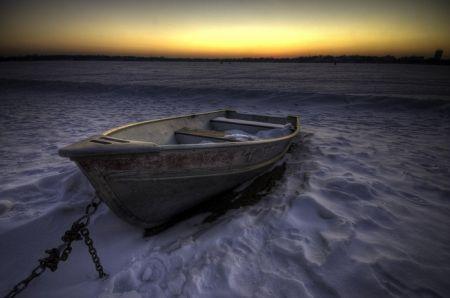 Įšalusi valtis